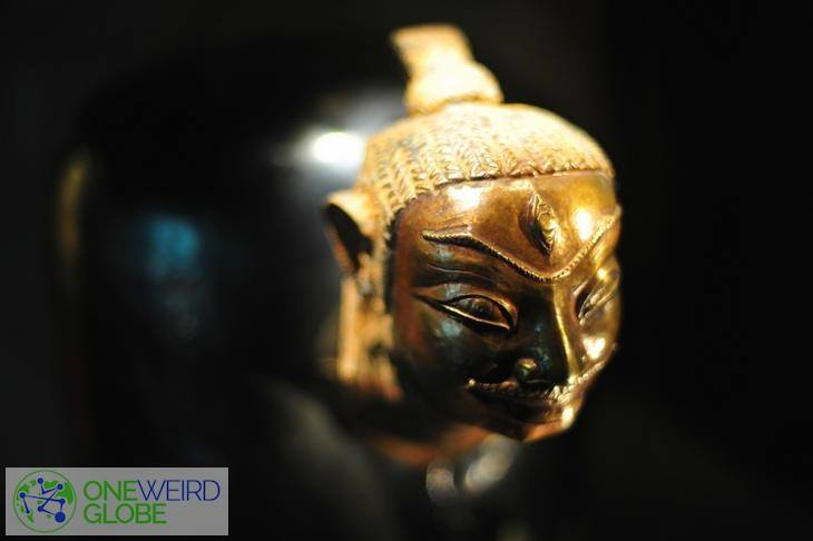 Destination: Asian Civilisations Museum - carved skulls, guardians of hell, and a rubber duckie? ()