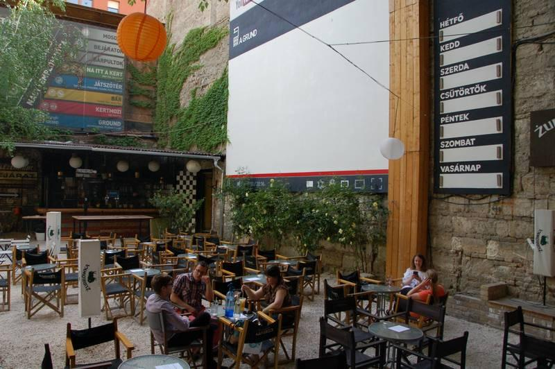 Get off the beaten path in Budapest: a review of Budapest Flow's tours ()
